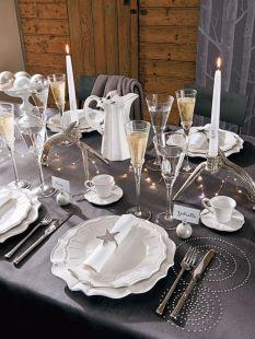 une-deco-de-table-classique-pour-un-nouvel-an-chic_5176251