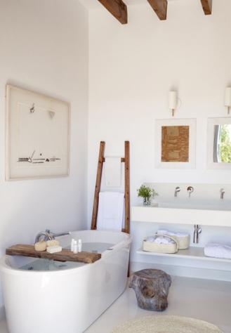 échelle en bois salle de bain